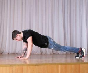Спортивные мероприятия в личном первенстве студентов по гиревому спорту и отжиманию от пола